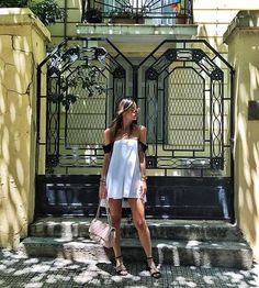 Vintage Doors, White Doors, Ss16, Fasion, Choices, Photo And Video, Celebrities, How To Wear, Top
