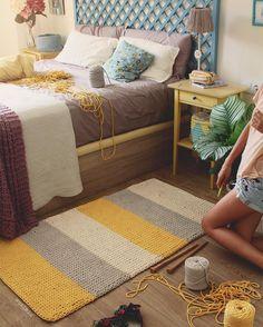 Lo prometido es deuda, así que ya tenéis publicado en el blog el patrón y todas las instrucciones para tejer esta preciosidad con el nuevo cordón ligero #cottonair, combinando dos agujas y ganchillo.Espero que os guste mucho!! Tenéis el link directo en la bio  Ya me contaréis   Feliz tarde de domingo!  #susimiu #handamde #blog #cute #summer #yellow #crochet #knitting #trapillo #cotton #ganchillo #ganchilloxxl #sunday #photo #deco #instagram
