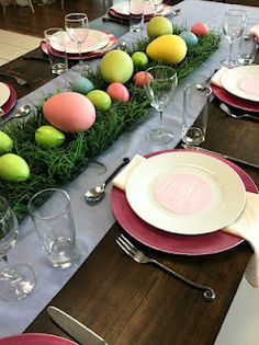 currently in our showroom...Athens Perrywinkle runners with a pop of bright pink chargers and soft Chelsea napkins! perfect pairs for those soft Easter pastels!