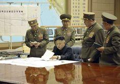 Coreia do Norte lança míssil que sobrevoa Japão e cai no Pacífico - http://po.st/CoYXdq  #Política - #Coreia-Do-Norte, #Eua, #Japão