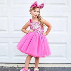Barbie dress, Barbie tutu dress, Barbie outfit for girls Barbie Halloween Costume, Tutu Costumes, Halloween Costumes For Girls, Pink Tutu Dress, Barbie Dress, Barbie Clothes, Baby Girl Dresses, Girl Outfits, Baby Clothes Girl