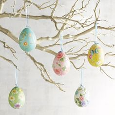 EASTERDECORATING IDEAS    Easter is on the horizon. And, this year, Easter falls during the Jewish celebration of Passover. If those holidays call for a fresh new look in your home, your decor changes don't have to be the familiar ones. Why not add a little more individuality
