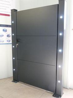 Portail alu traditionnel gris galet ouverture manuelle for Ouverture porte de garage avec smartphone