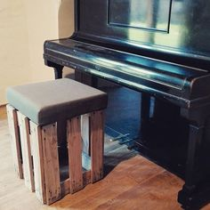 pallet stool, pallet tabouret, reclaimed wood, recycled pallet, piano