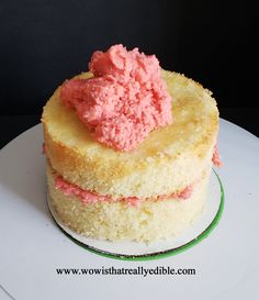 How long does it usually take you to frost a cake? It used to take me hours for one cake. Learn how to frost a cake with sharp edges using buttercream. Cake Decorating For Beginners, Creative Cake Decorating, Cake Decorating Techniques, Cake Decorating Tutorials, Creative Cakes, Cake Icing, Fondant Cakes, Fondant Rose, Fondant Baby