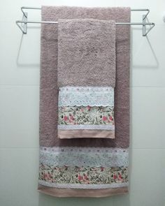 Towel Crafts, Kitchen Hand Towels, Janome, Bathroom Sets, Bed Sheets, Sewing, Oxfords, Home Decor, Bathroom Crafts