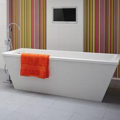 Pool Freestanding Bath With Surround Panel 1800 X 800 | bathstore