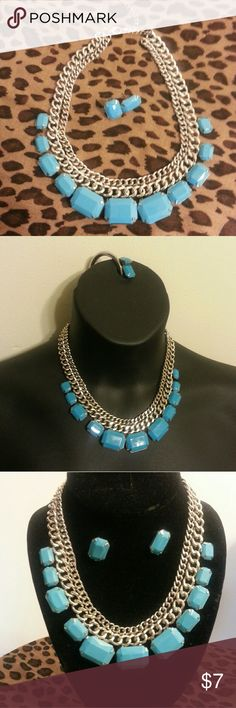 NECKLACE BEAUTIFUL BLUE NECKLACE & EARRING SET- Rectangular shape,  blue bead with silver tone chain,  worn ONLY once or twice. Can be worn to dress an outfit up or down!  Chain long enough to adjust to a choker length or slightly longer. Jewelry Necklaces