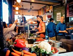 Exploring Tel Aviv's Carmel Market | The 10 Best Eating Spots