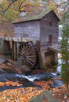 Stone Mountain Mill is located on the east side of the mountain in Stone Mountain Park, Georgia. The century-old mill was moved to the Park from its original site near Ellijay, Georgia in One of the most picturesque spots in the Park, it makes a gr Croquis Architecture, Water Powers, Water Mill, Saint Martin, Foto Art, Old Barns, Le Moulin, Old Buildings, Covered Bridges