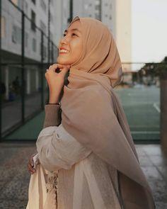 Casual Hijab Outfit, Ootd Hijab, Girl Hijab, Hijab Fashion Inspiration, Style Inspiration, Muslim Fashion, Bujo, Photography, Outfits