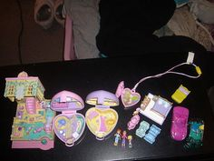 I HAVE THE SWINGING GIRL :) <3 LOVED POLLY POCKET  they sure do not make things like they use to or should anymore its shame