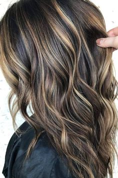 Dark Brown Hair With Blonde Highlights, Brown Hair With Lowlights, Hair Highlights And Lowlights, Dark Brunette Hair, Brown Hair Balayage, Highlights For Brunettes, Brunette Color, Hair With Blonde Tips, Brown Highlighted Hair