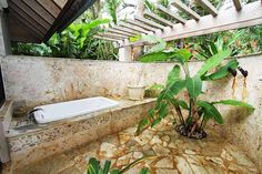 35 Ideas Of Outdoor Bathrooms That Go Into The Wild- Part 1 | http://www.designrulz.com/design/2014/07/ideas-of-bathrooms-that-go-into-the-wild/