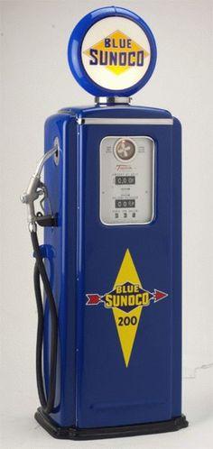 Vintage Sunoco Gas Pump
