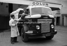16 April 1964 Driver Odlum's Commer flatbed lorry getting his orders at Odlum's Portlaoise, Co. Irish Eyes Are Smiling, Going Home, Photo Archive, Ireland, Monster Trucks, Times, Shit Happens, Green, Irish