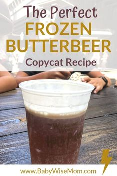 The Most Authentic Copycat Frozen Butterbeer Recipe - Babywise Mom - The perfect frozen butterbeer copycat recipe. This will take you right back to the Wizarding World - Fun Drinks, Yummy Drinks, Yummy Food, Beverages, Butterbeer Recipe Universal, Beer Recipes, Copycat Recipes, Recipies, Recipes