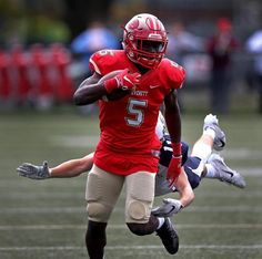 Mike Sainristil is state's Gatorade Football Player of the Year - The Boston Globe Youth Football, High School Football, School Sports, Football Players, Football Helmets, Sports Organization, Defensive Back, Wide Receiver, University Of Michigan