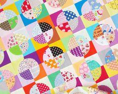 Confetti Drunkard's Path Scrap Quilt   Red Pepper Quilts 2016