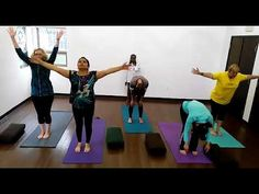 1 min video yoga. Luxuriate. Go at your own pace.