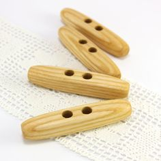 Large toggle buttons. Set of 4 natural ash wood toggles by PuuNooP