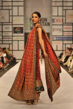 Pakistani Fashion Designers are going prominently in the fashion world. By their admirable work and high spirits they provide all style format dresses. Here's the ranking of top dress designers in Pakistan. Pakistani Models, Pakistani Couture, Pakistani Bridal Dresses, Pakistani Designers, Indian Couture, Pakistani Outfits, Bridal Lehenga, Pakistan Fashion, India Fashion
