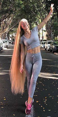 Hair A, Big Hair, Beautiful Long Hair, Amazing Hair, Rapunzel Hair, Very Long Hair, Silky Hair, Shoulder Length Hair, Scene Hair