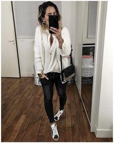 """Pocket: 855 Likes, 17 Comments - Audrey Lombard (@audreylombard) on Instagram: """"Jeudi dernier version jour avec gilet et baskets @shopaudreylbd ? Ps : J'ai hésité à prendre mon…"""""""