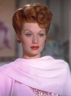 Collection of Lucille Ball Hairstyles images in Collection) Old Hollywood Stars, Old Hollywood Glamour, Golden Age Of Hollywood, Classic Hollywood, Vintage Hollywood, Ball Hairstyles, Vintage Hairstyles, Pretty Hairstyles, Pin Up Retro