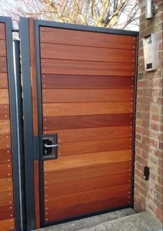 The best gate design ideas that you can copy right now in your home 31 House Fence Design, Fence Gate Design, Front Gate Design, Door Design, Wood Fence Gates, Wooden Garden Gate, Wooden Gates, Fences, Wooden Gate Designs
