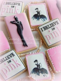 28 Ideas Breakfast At Tiffanys Sweet 16 Cake Audrey Hepburn Audrey Hepburn Cake, Audrey Hepburn Birthday, Audrey Hepburn Breakfast At Tiffanys, Pink Cookies, Tea Cookies, Galletas Cookies, Cupcake Cookies, Sugar Cookies, Cupcakes