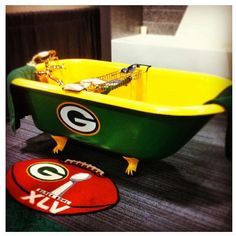 Are You Kidding Me This Is The Coolest Bathtub Ever Find Pin And More On Green Bay Packers