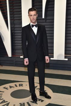 Internet personality Cameron Dallas attends the 2017 Vanity Fair Oscar Party hosted by Graydon Carter at Wallis Annenberg Center for the Performing Arts on February 26, 2017 in Beverly Hills, California.
