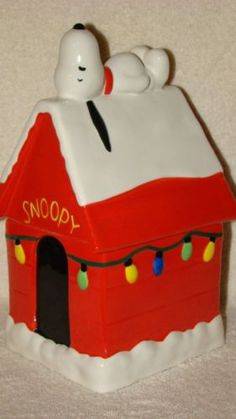 Snoopy Christmas Lights Cookie Jar.  Who doesn't love stealing a cookie out of Snoopy's cookie jar? lol