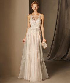 Bali - Saten, değerli taşlı ve nakışlı, kolsuz kloş etekli elbise