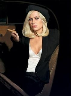 Amy Poehler by Annie Leibovitz Cigars And Women, Women Smoking Cigars, Cigar Smoking, People Smoking, Smoking Ladies, Girl Smoking, Bonnie Parker, Bonnie Clyde, Annie Leibovitz Photography