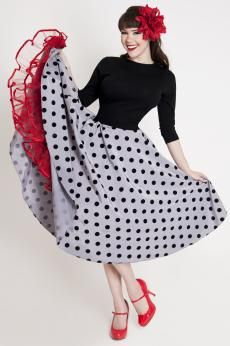 8 Ball Circle Skirt (Bettie Page Clothing) Rockabilly Style, Rockabilly Fashion, Retro Fashion, Vintage Fashion, Womens Fashion, Rockabilly Baby, Vintage Clothing, Pin Up Outfits, Retro Outfits