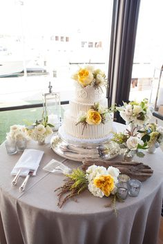 Photography: Studio28 Photo - studio28photo.com  Read More: http://www.stylemepretty.com/california-weddings/2014/05/24/nautical-yacht-club-wedding/