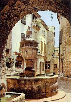 fontaine-St-Paul-de-Vence