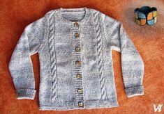 Krásný pletený svetřík zdobený polymerovými knoflíky a polymerový náramek. Sweaters, Fashion, Moda, Fashion Styles, Sweater, Fashion Illustrations, Sweatshirts, Pullover Sweaters, Pullover