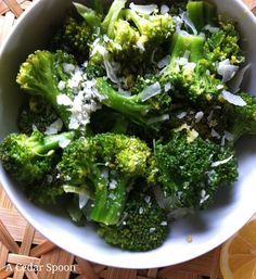 Lemon Parmesan Broccoli: an easy side dish that changes boring broccoli into something more interesting // A Cedar Spoon