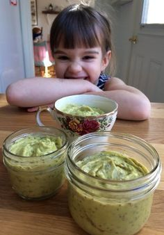 Une des collations préférées de mes enfants. Le petit goût citronné est juste parfait. Ingrédients (4 portions): 2 avocats mûrs pelés, en morceaux 1 mangue mûre pelée, en morceaux 1/3 tasse de lait…