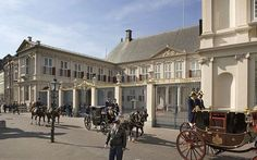 There are several palaces in The Hague and 'Paleis Noordeinde' (Noordeinde Palace) is one of them. It has been a palace of the Royal House since 1609 when the state presented it to William of Orange's widow as a gift. Today, the Dutch monarch uses it as a working palace.
