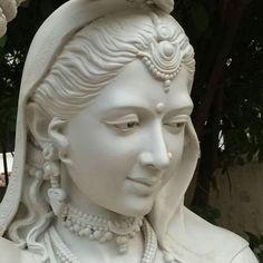 Hare Krishna Anatomy Sculpture, Gold Leaf Art, Anime Drawings Sketches, Tanjore Painting, Ganesha Art, Tiger Art, Princess Drawings, Renaissance Paintings, Mural Wall Art