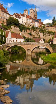 Sémur-en-Auxois, en Cote d'Or Bourgogne