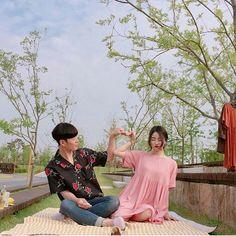 Lấy = Follow #Ẩn Matching Couple Outfits, Matching Couples, Couples In Love, Korean Couple Photoshoot, Korea Boy, Korean Ulzzang, Korean People, Ulzzang Couple, Young Love