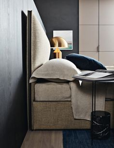 RIBBON - Designer Double beds from Molteni & C ✓ all information ✓ high-resolution images ✓ CADs ✓ catalogues ✓ contact information ✓ find..