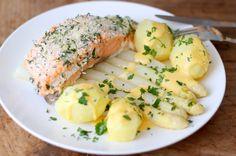 In deze blog vind je een waanzinnig recept voor klassieke asperges met zalm, aardappels en hollandaisesaus. Maar dan wel met een kleine twist.