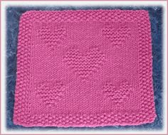 This free knitting pattern is perfect for Valentine's Day.
