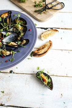 Steamed mussels with garlic
